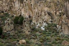 Старые руины в национальном монументе Bandelier Стоковые Изображения