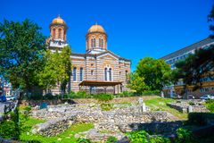 Старые руины цитадели Histria около церков Andrei Святого стоковые изображения
