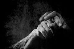 Старые руки подпирают Стоковые Изображения