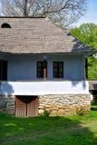 Старые румынские традиционные древесина деревни и дом камня Стоковое фото RF