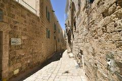 Старые старинная улица и дома в городе Яффы, около Тель-Авив, Израиль стоковое изображение