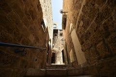 Старые старинная улица и дома в городе Яффы, около Тель-Авив, Израиль стоковые изображения