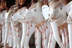 Старые статуи слонов, монастыря Htaung животиков Maha Bodhi, Myanma Стоковые Изображения RF