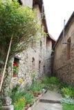 Старые стены двора Стоковые Изображения