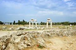 Старые столбцы в крупном плане города Hierapolis, Турции Стоковая Фотография RF
