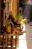 Старые сувениры статуи кота на базаре Khan el-Khalili, Каире i Стоковое Изображение