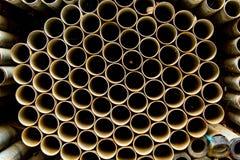 Старые трубы нержавеющей стали в стогах Стоковое Изображение RF