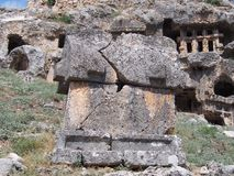 Старые усыпальницы утеса Lycian стоковая фотография