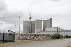 Старые фабрики в индустриальной зоне Стоковые Изображения RF