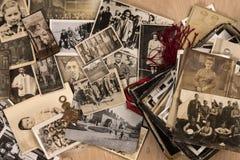 Старые фотоснимки семьи Стоковые Изображения