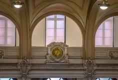 Старые часы музея Museu кофе делают кафе бывшая фондовая биржа кофе строя Bolsa делает кафе - Сантоса, Сан-Паулу, Бразилию Стоковые Изображения RF