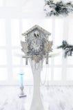 Старые часы с кукушкой в Новом Годе Стоковая Фотография