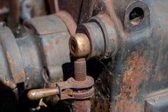 Старые шестерни металла в приводных механизмах Ржавые шестерни используемые в машине Стоковые Фотографии RF