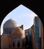 Старые nercopolis Shah-i-Zinda Исламский, ансамбль стоковая фотография