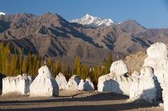 Старые stupas budhist под gompa Tikse, Ladakh, Индией Стоковое Фото