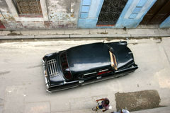 Старый автомобиль в la havana Стоковая Фотография