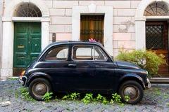 Старый автомобиль Фиат 500 Стоковое Изображение
