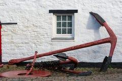 Старый анкер. Kinsale, Ирландия стоковое изображение