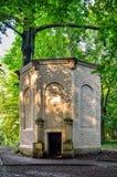Старый античный дом льда в парке замка в Pszczyna Стоковое фото RF