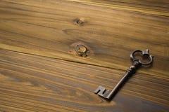 Старый античный ключ Стоковые Изображения RF