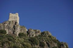Старый арабский замок Zahara de Ла Сьерры в провинции Кадиса, Андалусии, Испании стоковое изображение