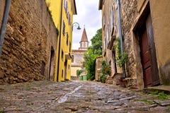 Старый адриатический городок улицы камня Buje Стоковое Фото