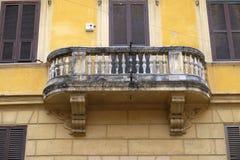 Старый балкон дома в Риме Стоковое Изображение RF
