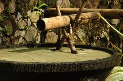 Старый бамбуковый фонтан Стоковое фото RF