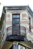 Старый балкон в Bitola, македонии стоковая фотография rf