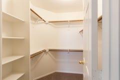 Старый белый шкаф Стоковые Изображения