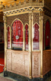 Старый богато украшенный кассовый сбор стоковое фото