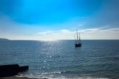 Старый большой плавая анкер корабля Lugger в корнуольском заливе стоковое изображение rf