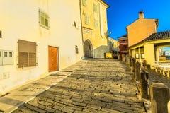 Старый булыжник в Istria, Motovun Хорватии стоковые изображения rf