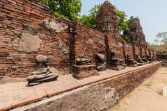 Старый Будда в виске Mahathat Стоковая Фотография