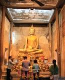 Старый Будда на виске Bangkung Стоковые Изображения RF