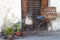 Старый велосипед в Танзании Стоковое фото RF