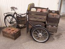 Старый велосипед поставки стоковые изображения rf