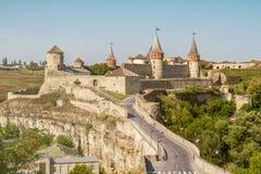 Старый взгляд замка города Kamenec-Podolskiy, Украины стоковые фотографии rf