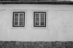 Старый винтажный дом, черно-белый Стоковые Фото