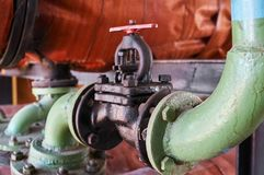 Старый винтажный зацеплять зеленая труба водопровода Стоковые Фото
