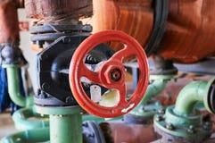 Старый винтажный зацеплять зеленая труба водопровода Стоковые Изображения