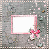 Старый винтажный фотоальбом с красивыми смычками и бабочками Стоковое Изображение RF