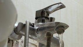 Старый водопроводный кран с limescale сток-видео