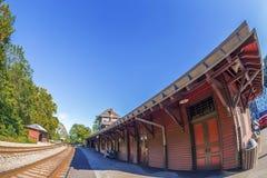 Старый вокзал в пароме арфистов, Западной Вирджинии, США стоковое фото rf