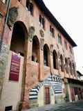 Старый дворец епископа в Пистойя Италии стоковые фото