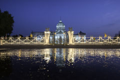 Старый дворец с тенью Стоковая Фотография RF