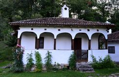 Старый восстановленный дом Стоковые Изображения RF