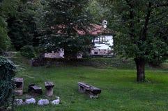 Старый восстановленный дом Стоковые Изображения