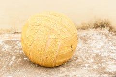 старый волейбол Стоковые Фотографии RF