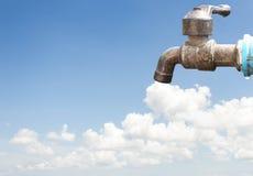 Старый водопроводный кран Стоковая Фотография
